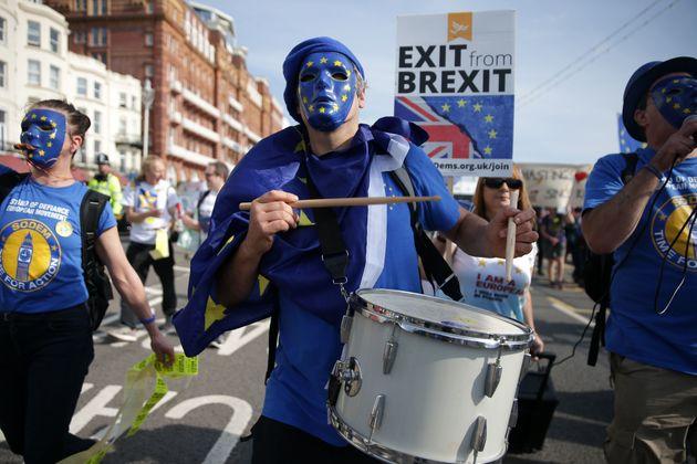 Pro-EU protestors in