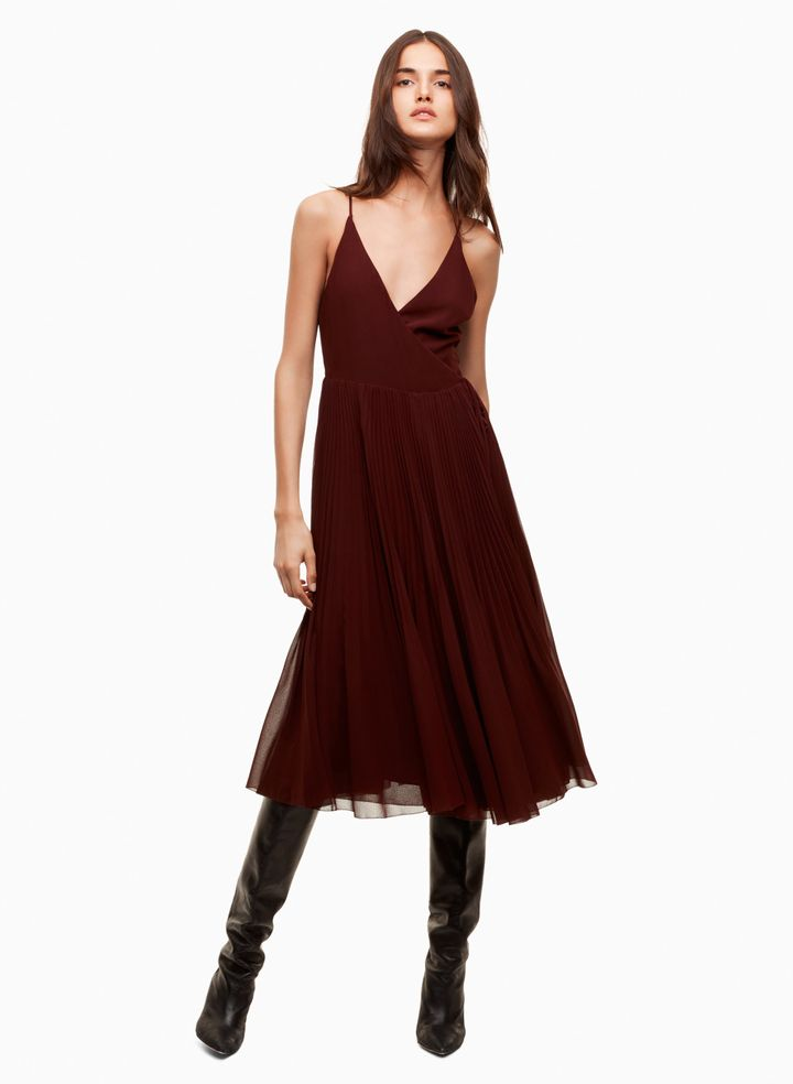 "<a href=""http://us.aritzia.com/product/beaune-dress/61870.html?dwvar_61870_color=2346"" target=""_blank"">Wilfred&nbsp;Beaune dress</a>, $185"