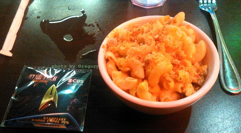 """Mac-'n'-cheeze. Vegan. Hot."" (Thank you, Cineramadome-adjacent Veggie Grill!)"