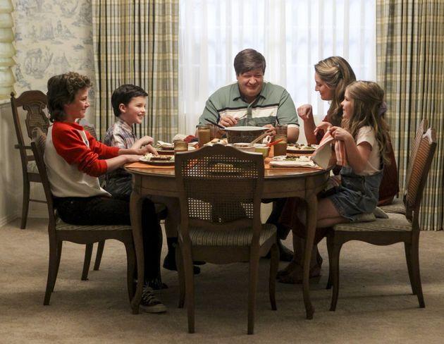 El padre de Sheldon en 'El Joven Sheldon' ya aparecía en 'The Big Bang Theory', pero con un papel totalmente