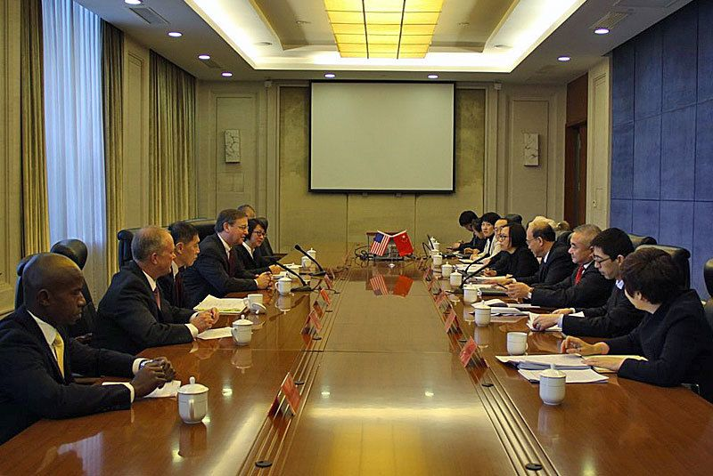 DEA Acting Administrator Chuck Rosenberg meets with Chinese officials from the Ministry of Public Security to discuss law enf