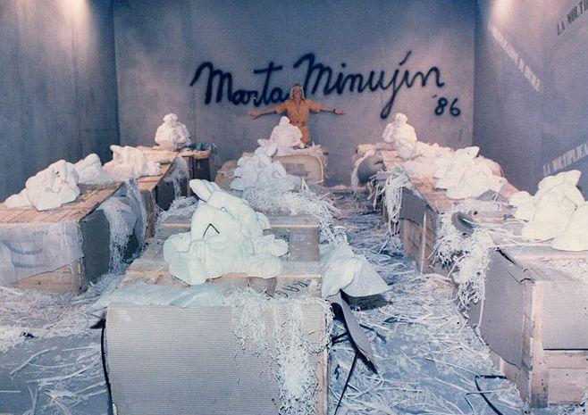 Marta Minujín, <em>La multiplicación de Hércules</em> (1986).