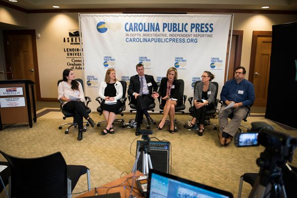 HuffPost staffer Meredith Melnick (left) speak to panelists Jacqueline Sitton, Steve Heatherly, Lucretia Stargell, Dr. Beth B