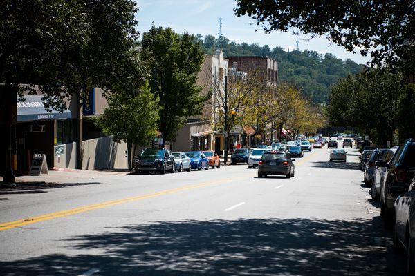 A street scene in Asheville, North Carolina.