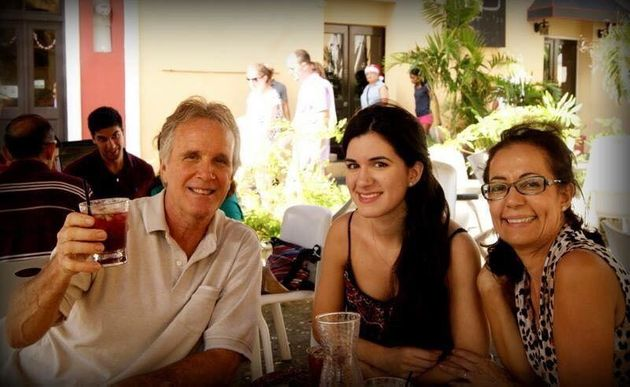 Jazmin Nadal (center) with her father and