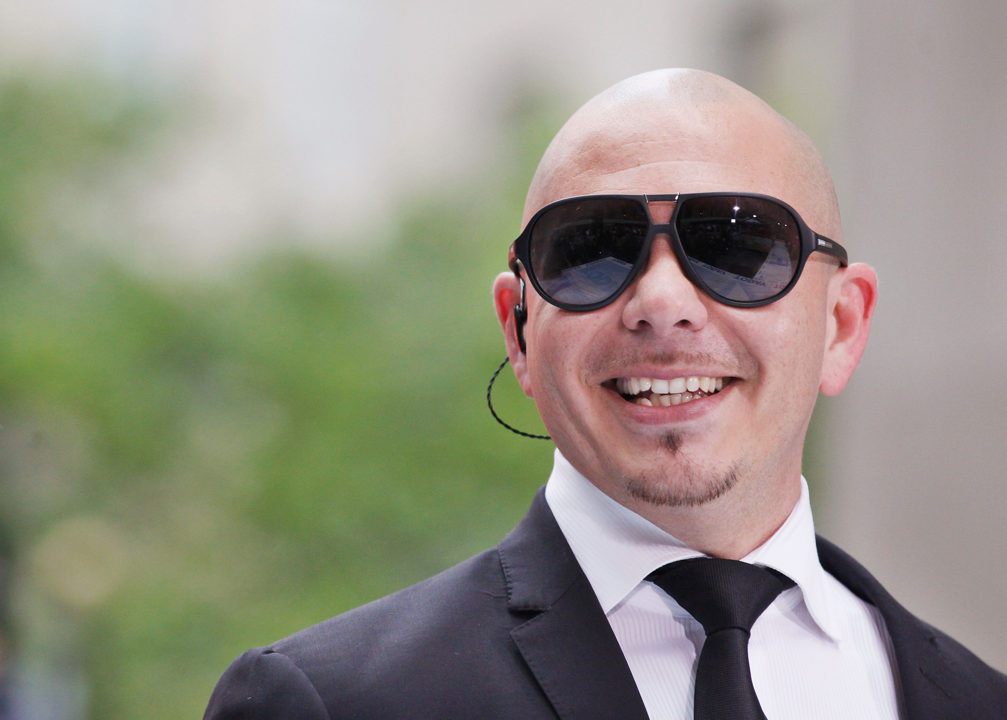 Singer Pitbull performs on NBC's 'Today' show in New York, May 25, 2012. REUTERS/Brendan McDermid (UNITED STATES - Tags: ENTERTAINMENT HEADSHOT)
