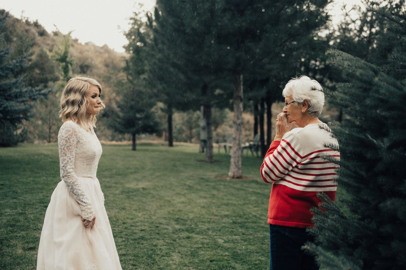 Bride surprises grandma by wearing her wedding dress in touching moment""