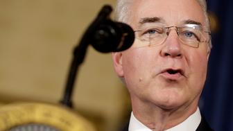 Secretary of Health and Human Services Tom Price speaks before U.S. President Donald Trump called on Republican Senators to move forward and vote on a healthcare bill to replace the Affordable Care Act in the Blue Room of the White House in Washington, U.S., July 24, 2017.   REUTERS/Joshua Roberts