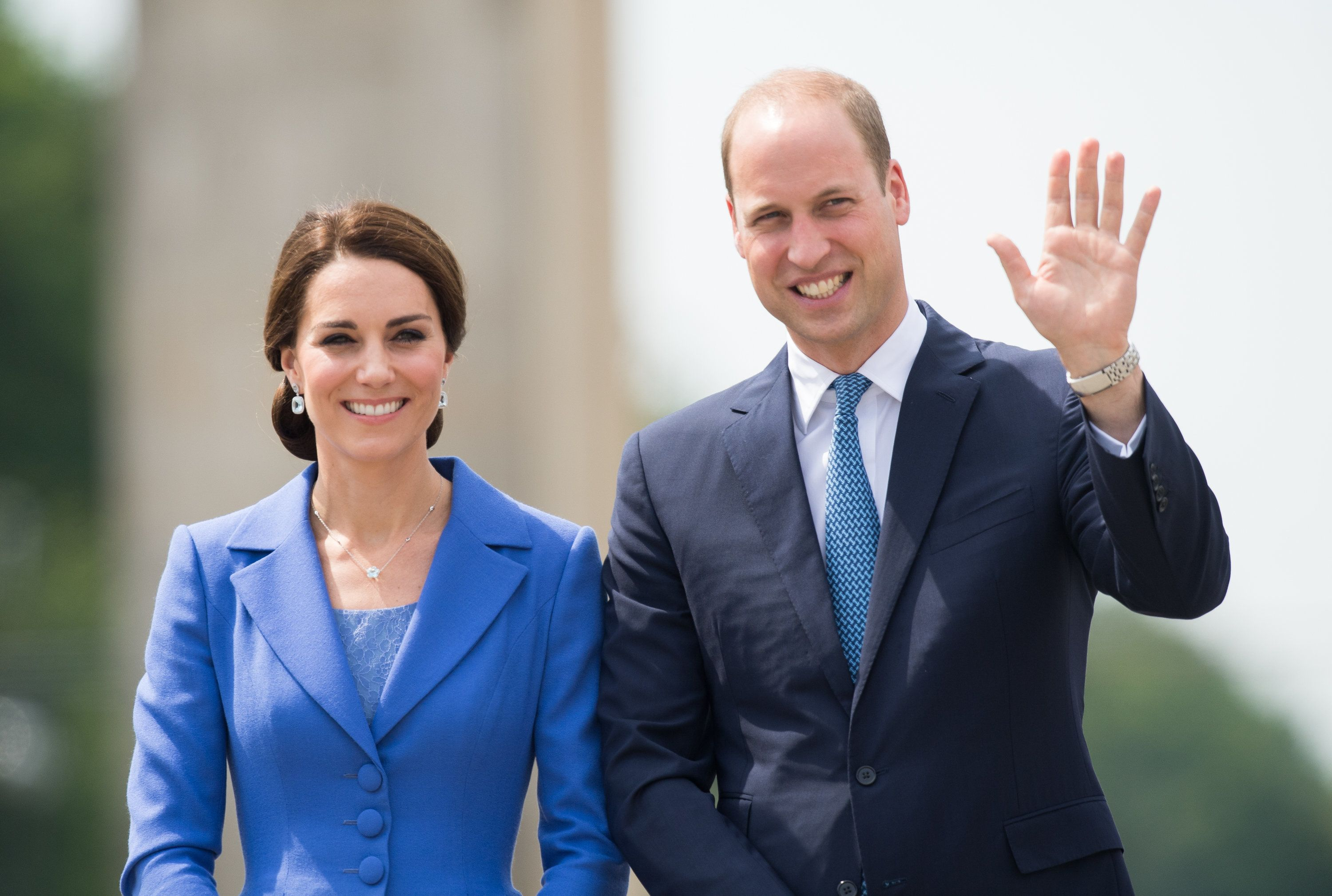 BERLIN, GERMANY - JULY 19:  Catherine, Duchess of Cambridge and Prince William, Duke of Cambridge visit the Brandenburg Gate during an official visit to Poland and Germany on July 19, 2017 in Berlin, Germany.  (Photo by Samir Hussein/WireImage)