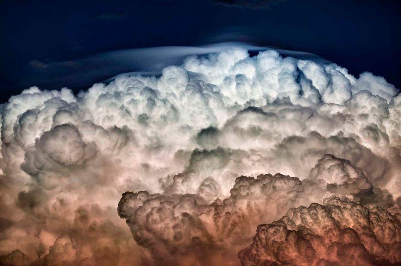 Sandra Gottlieb, <em>A Cloud Study, Sunset, No.11</em> (2016), color photography, 30 x 40 inches