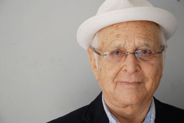 "Norman Lear in 2009. (<a rel=""nofollow"" href=""https://www.flickr.com/photos/41414128@N06/3816100160/"" target=""_blank"">Mr. Lew"