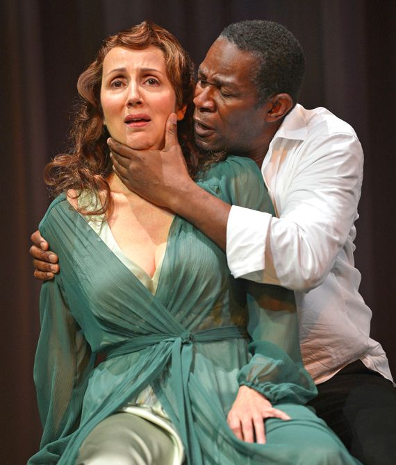 Harsh words for mother: John Douglas Thompson as Hamlet, Dominique Lozano as Gertrude