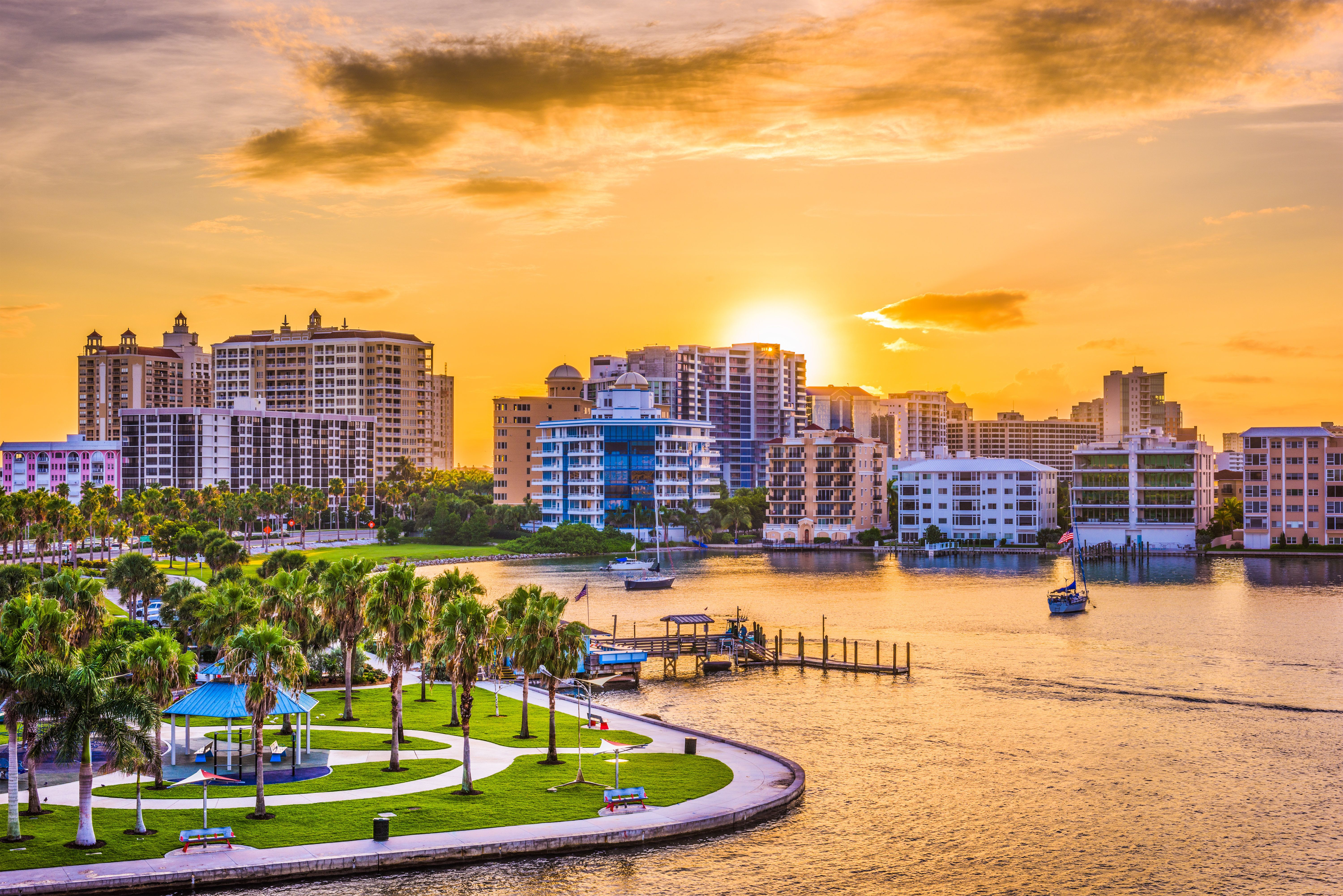 """This sunny coastal haven is currently <a href=""""https://realestate.usnews.com/places/florida/sarasota"""" target=""""_blank"""">attract"""