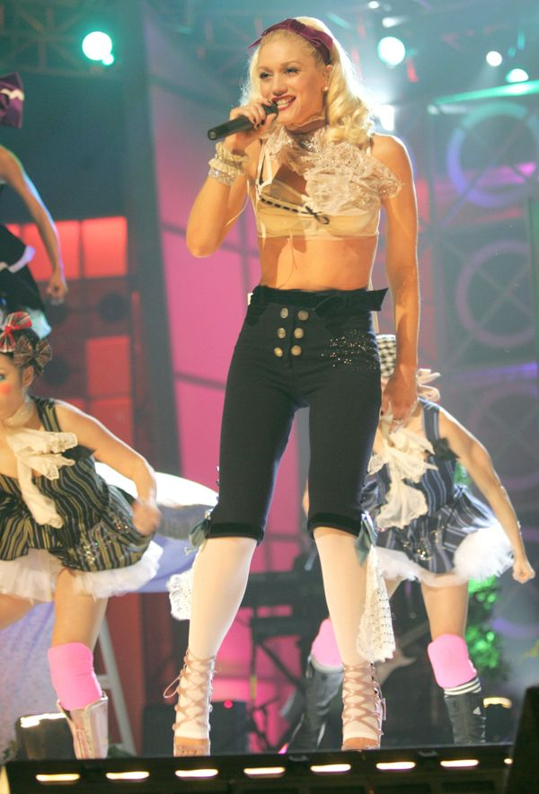 "Performing ""What You Waiting For"" at the 2004 Billboard Music Awards ."