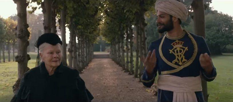 Judi Dench and Ali Fazal in <em>Victoria and Abdul</em>