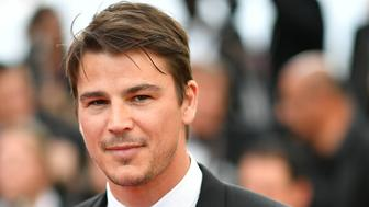 US actor Josh Hartnett arrives on May 22, 2017 for the screening of the film 'The Killing of a Sacred Deer' at the 70th edition of the Cannes Film Festival in Cannes, southern France.  / AFP PHOTO / LOIC VENANCE        (Photo credit should read LOIC VENANCE/AFP/Getty Images)
