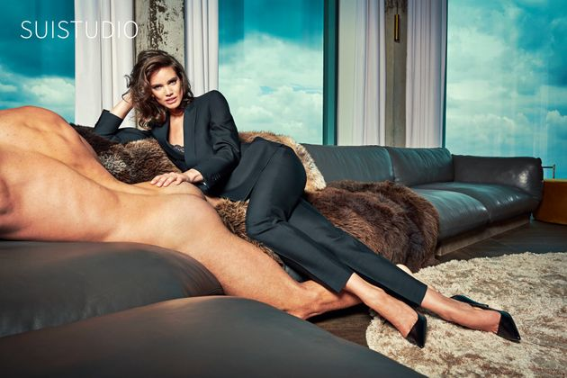 Suistudio 39 s controversial 39 not dressing men 39 campaign - Selfie donne a letto ...