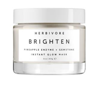 This cult-favorite beauty essential gently illuminates dry, dull skin by exfoliating uneven skin and boosting radiance with f