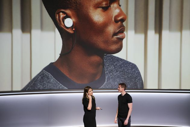 Google's Pixel Buds Are Able To Perform Real-Time