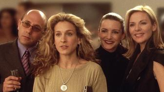 385528 12: Actors (From Left To Right) Willie Garson Stars As Stanford, Sarah Jessica Parker Stars As Carrie, Kristian Davis Stars As Charlotte, Kim Cattrall Stars As Samantha And Cynthia Nixon Stars As Miranda In The Hbo Comedy Series 'Sex And The City' The Third Season.  (Photo By Getty Images)