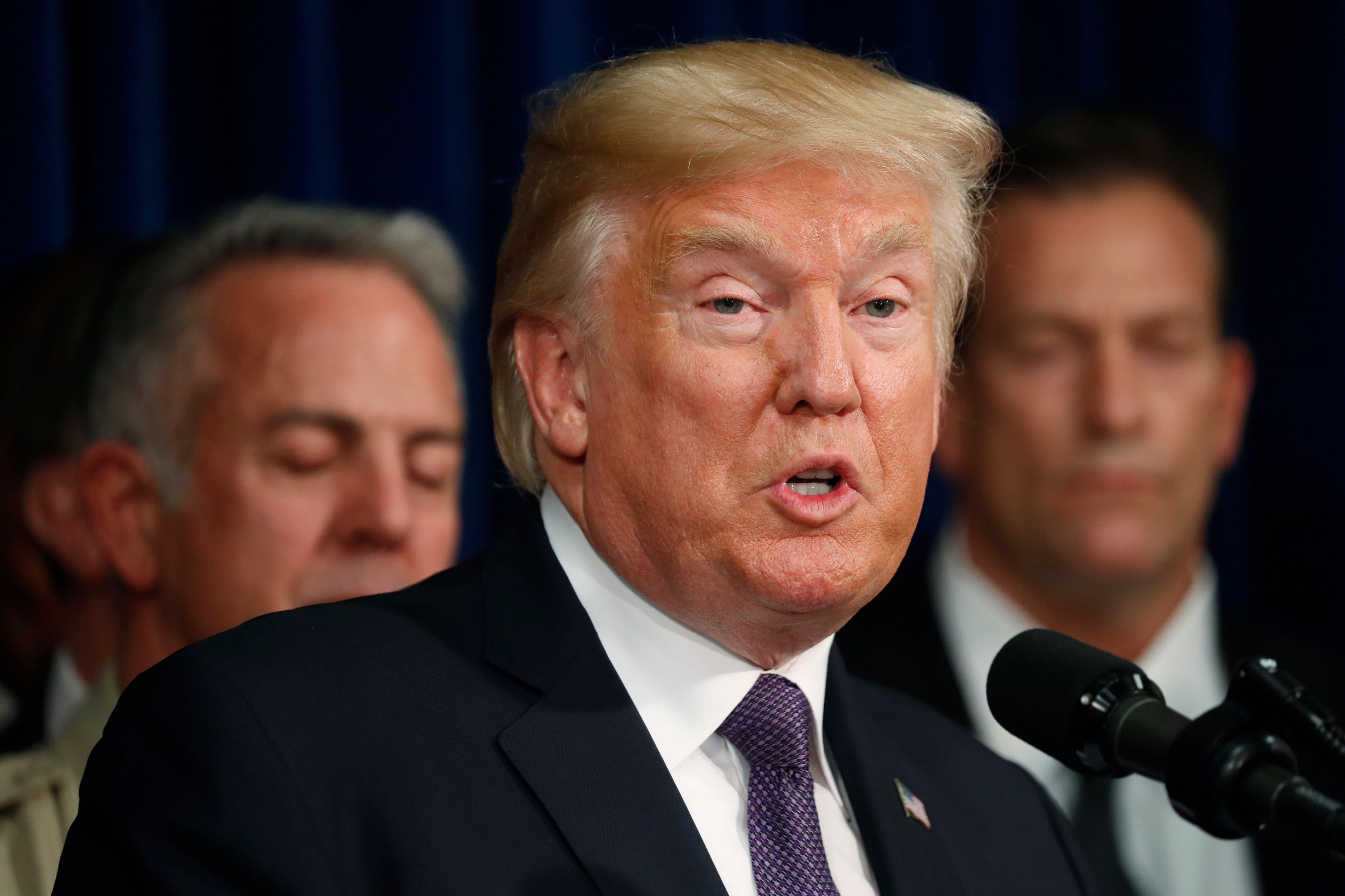 U.S. President Donald Trump speaks after meeting with police at the Las Vegas Metropolitan Police Department in the wake of the mass shooting in Las Vegas, Nevada, U.S., October 4, 2017. REUTERS/Kevin Lamarque