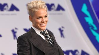 INGLEWOOD, CA - AUGUST 27:  Pink attends the 2017 MTV Video Music Awards at The Forum on August 27, 2017 in Inglewood, California.  (Photo by C Flanigan/Getty Images)