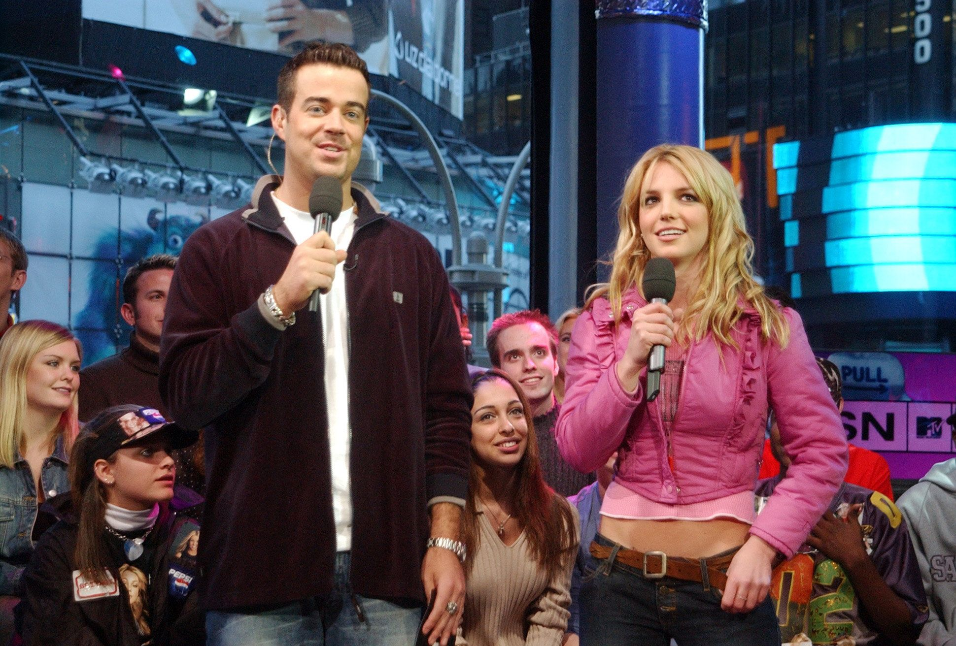 Carson Daly & Britney Spears (Photo by KMazur/WireImage)