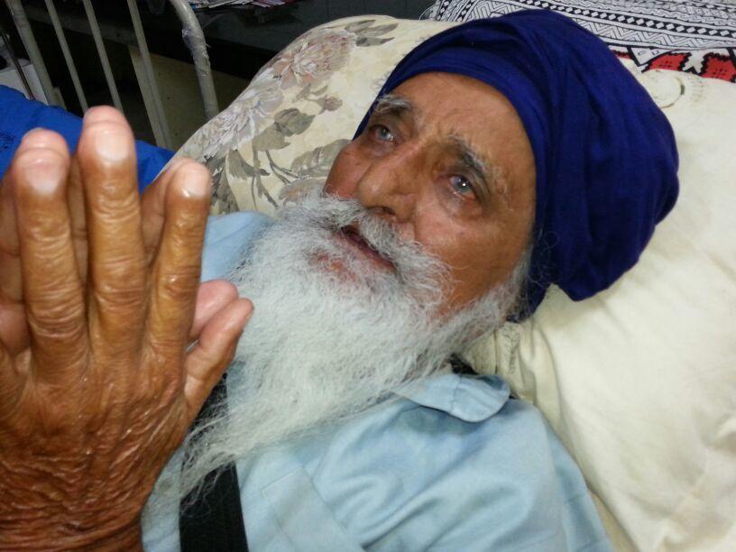 Bapu Surat Singh at Civil Hospital, Ludhiana in early 2015