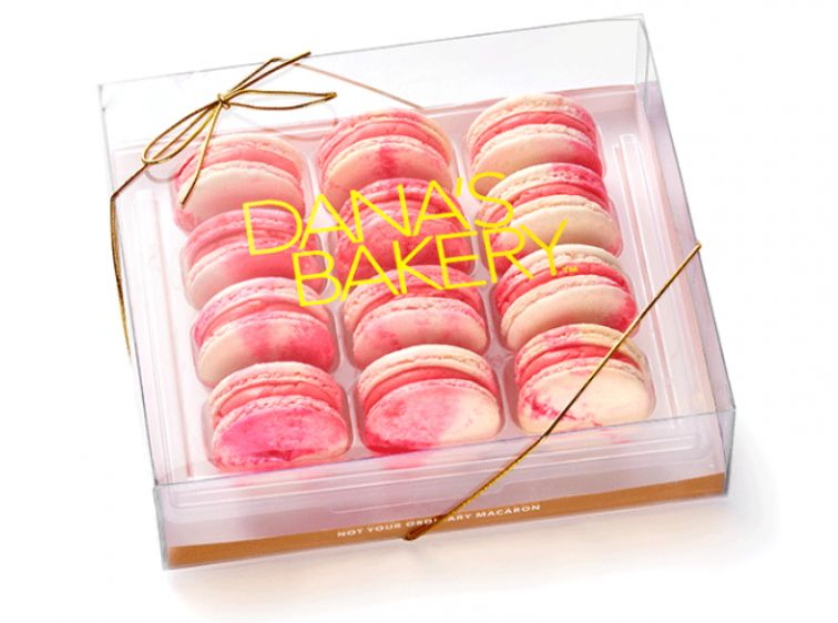 "<strong>Pink Cotton Candy Box</strong> from <a rel=""nofollow"" href=""http://www.danasbakery.com/shop/pinkcottoncandy-macarons"""