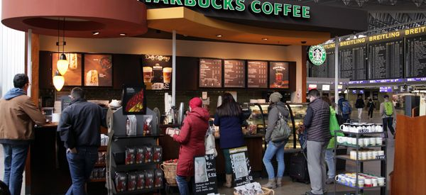 When A Toddler Humiliated His Mum In Starbucks, A Stranger Helped Her See The Silver Lining