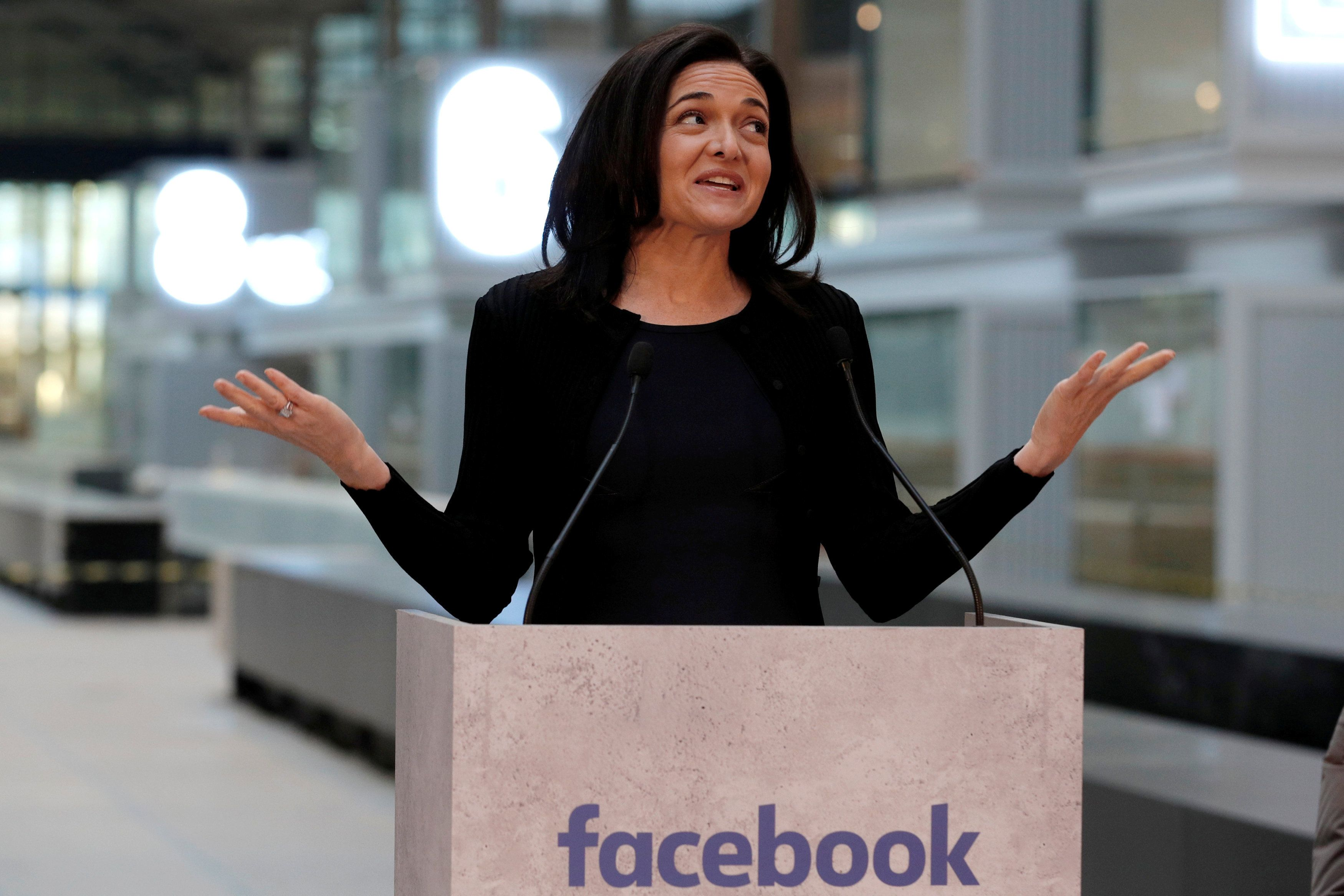 Sheryl Sandberg, Chief Operating Officer of Facebook, delivers a speech during a visit in Paris, France, January 17, 2017, at a start-up companies gathering at Paris' Station F site as the company tries to head off tougher regulation by Germany. REUTERS/Philippe Wojazer     TPX IMAGES OF THE DAY