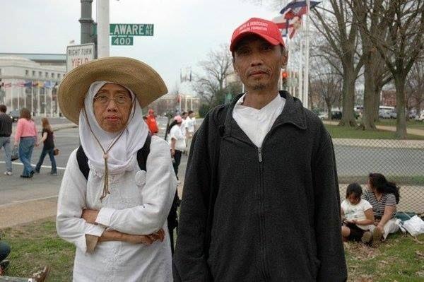 Sujitno Sajuti (r) with his wife, Dahlia