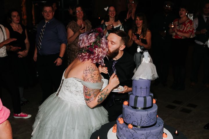 This Disney Haunted Mansion-Themed Wedding Is Full Of ...