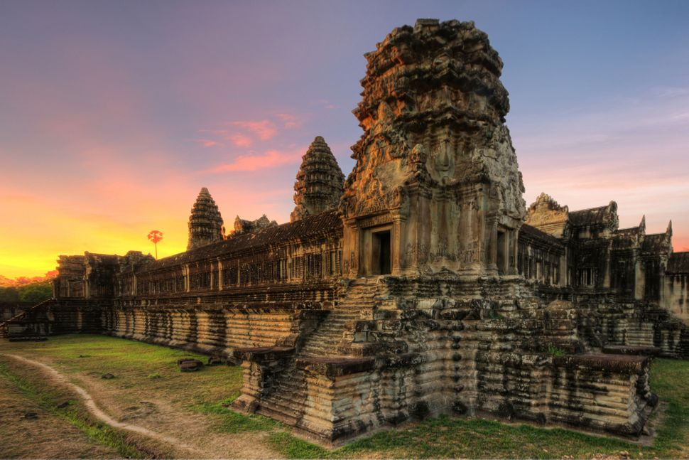 "<a href=""http://whc.unesco.org/en/list/668"" target=""_blank"">Angkor Wat</a> is the <a href=""http://www.guinnessworldrecords.co"