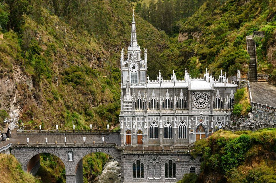Located near the border of Colombia and Ecuador, the Las Lajas Sanctuary is undoubtedly one of the most beautiful basilicas i