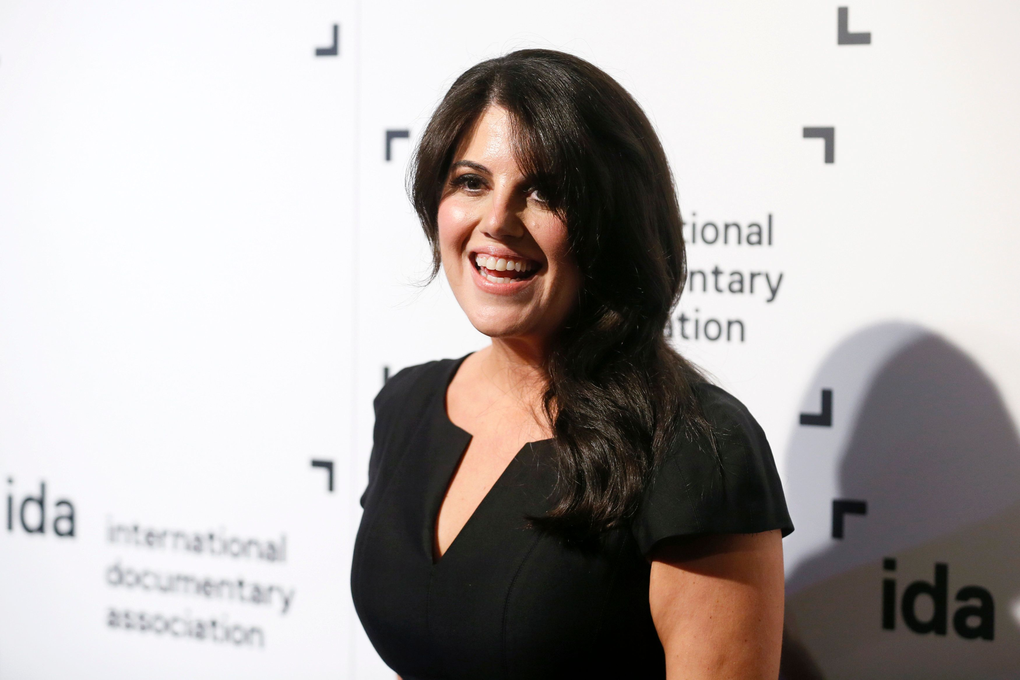 Monica Lewinsky poses at the International Documentary Association's 2014 IDA Documentary Awards in Los Angeles, December 5, 2014.   REUTERS/Danny Moloshok   (UNITED STATES - Tags: ENTERTAINMENT)