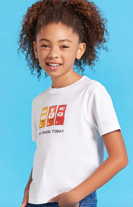 "Girls Taco Bell hot sauce tee, <a href=""https://www.forever21.com/us/shop/Catalog/Product/f21/promo-taco-bell-collection/2000"