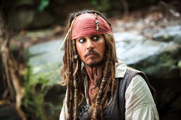 """<a href=""""https://www.spirithalloween.com/product/adult/mens/all-mens/adult-rogue-pirate-costume/pc/682/c/683/sc/4255/45594.ut"""