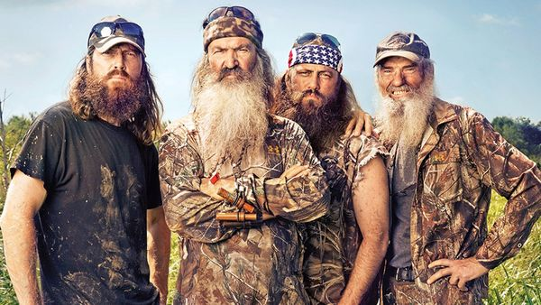 """<a href=""""https://www.spirithalloween.com/product/adult/mens/all-mens/adult-willie-costume-duck-dynasty/pc/682/c/683/sc/4255/7"""