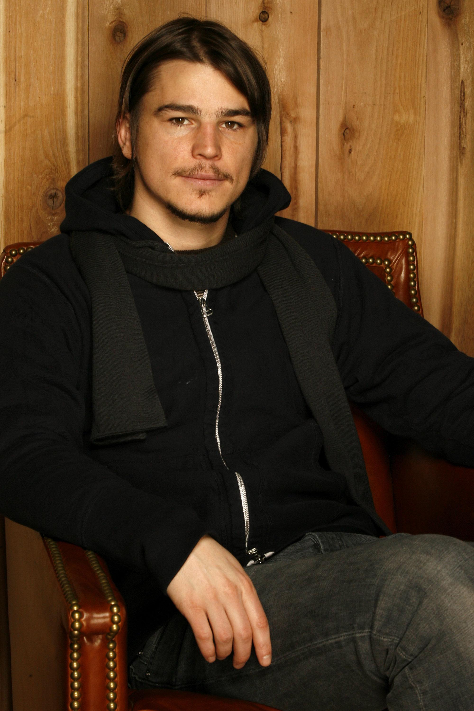Josh Hartnett during 2006 Sundance Film Festival - 'Lucky Number Slevin' Portraits at HP Portrait Studio in Park City, Utah, United States. (Photo by J. Vespa/WireImage)