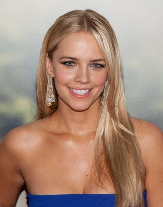 Jessica Barth attends the 'Ted 2' premiere at the Ziegfeld Theater in New York City. �� LAN (Photo by Lars Niki/Corbis via Getty Images)