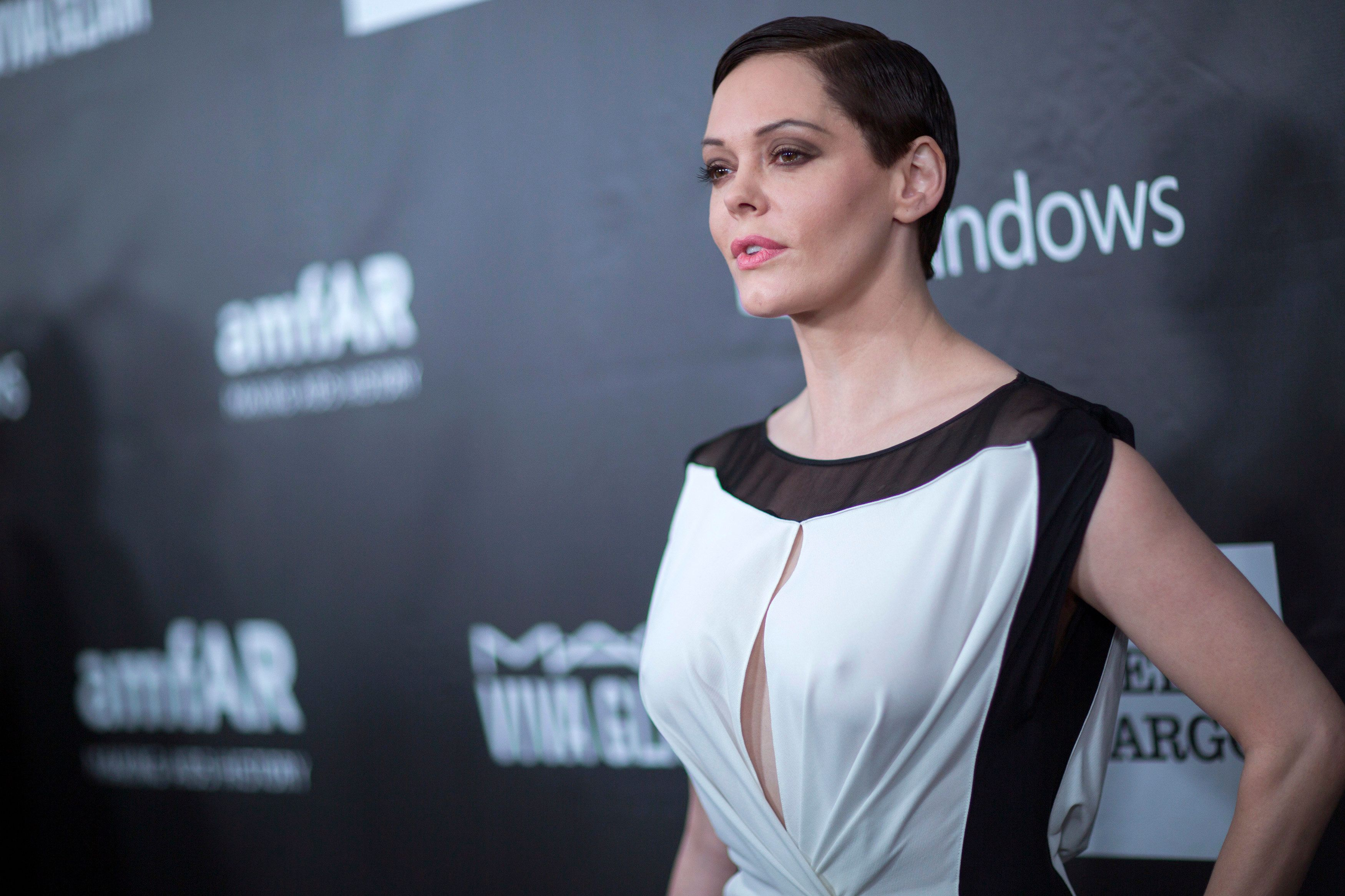 Rose McGowan's 'Twitter Suspended' Amid Harvey Weinstein Sexual Assault Allegations