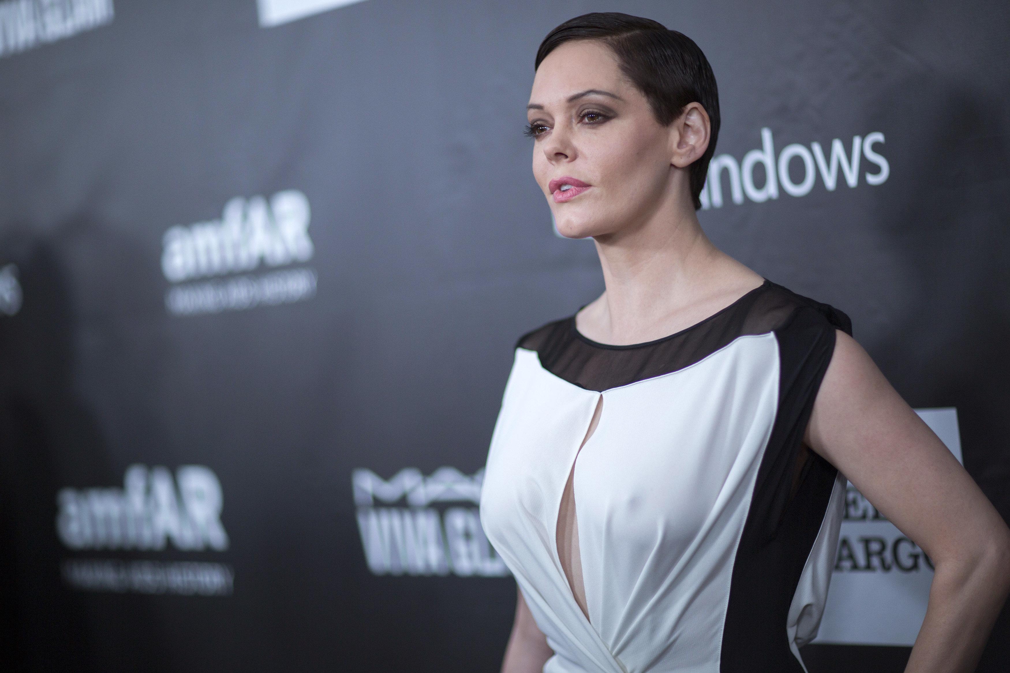 Rose McGowan's 'Twitter Suspended' Amid Harvey Weinstein