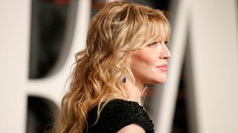 Musician Courtney Love arrives at the 2015 Vanity Fair Oscar Party in Beverly Hills, California February 22, 2015. REUTERS/Danny Moloshok (UNITED STATES - Tags:ENTERTAINMENT) (VANITYFAIR-ARRIVALS)