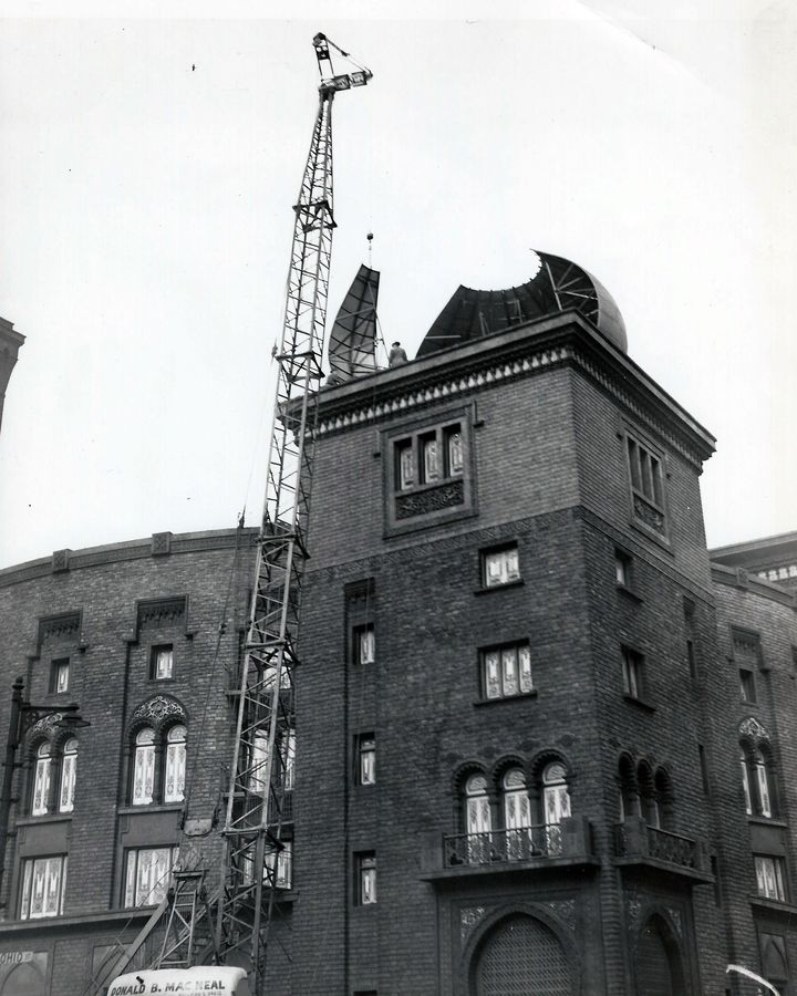 <p>Construction of one of the famed onion domes of the Medinah Temple in Chicago (architects Huehl and Schmidt 1912)</p>