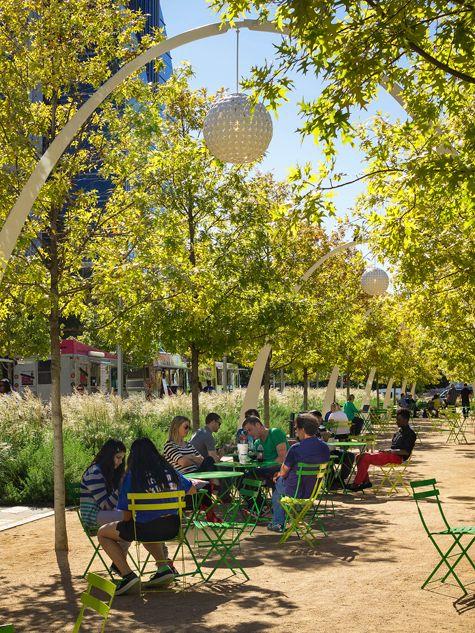 ASLA 2017 Professional General Design Award of Excellence. Klyde Warren Park, Dallas, OJB Landscape Architecture / Gary