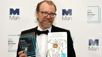 George Saunders, author of 'Lincoln in the Bardo', poses for photographers after winning the Man Booker Prize for Fiction 2017 in London, Britain, October 17, 2017. REUTERS/Mary Turner     TPX IMAGES OF THE DAY