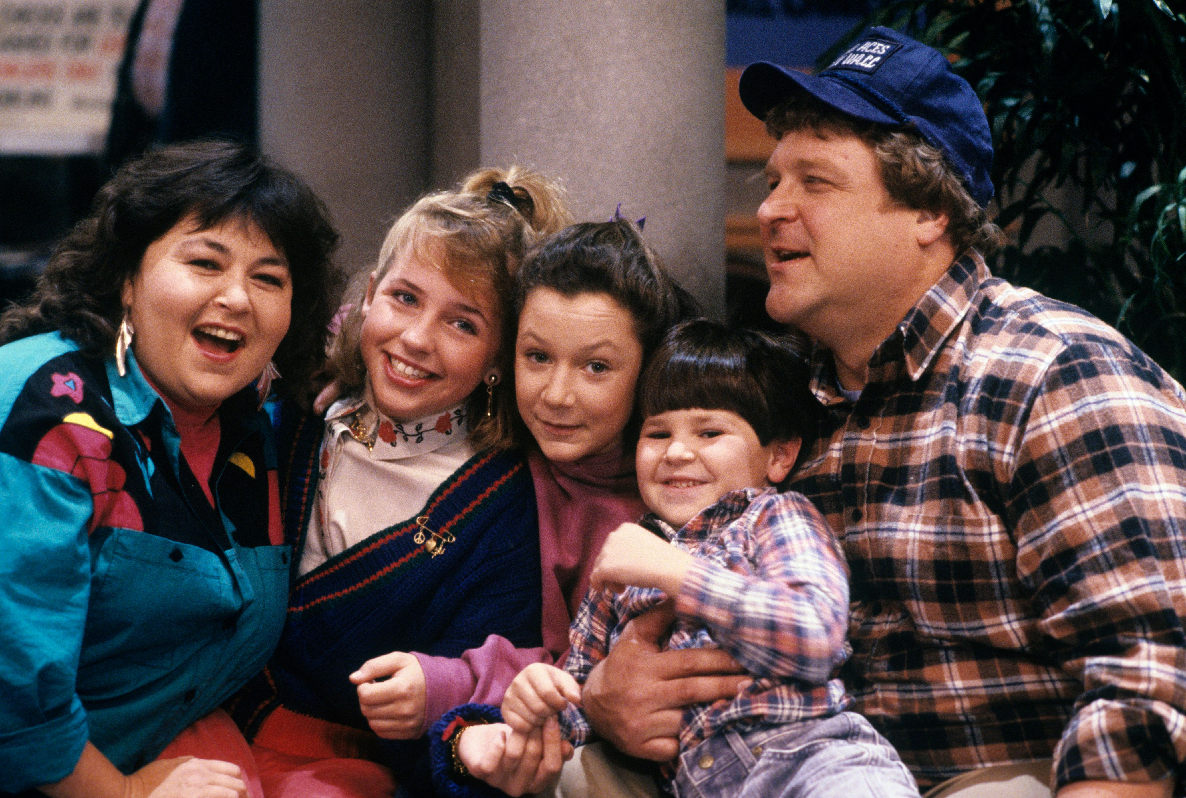 UNITED STATES - JANUARY 28:  ROSEANNE - 'Lovers' Lane' 12/6/88 Roseanne Barr, Alicia Goranson, Sara Gilbert, Michael Fishman, John Goodman  (Photo by ABC Photo Archives/ABC via Getty Images)