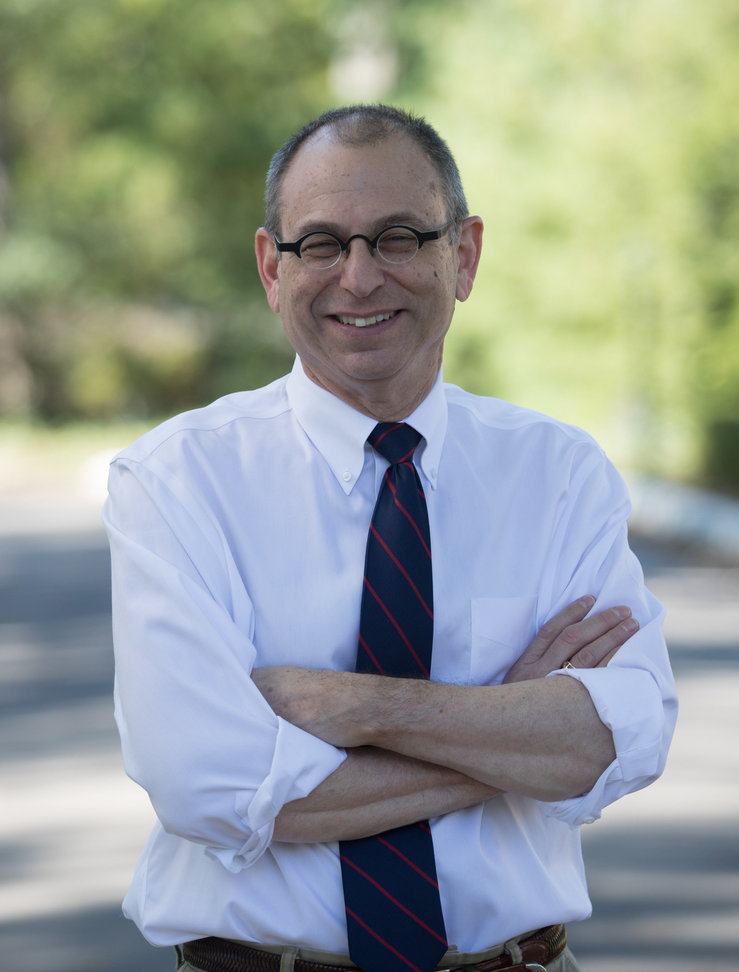 Rabbi Robert Barr announced his campaign for Congress on Tuesday.