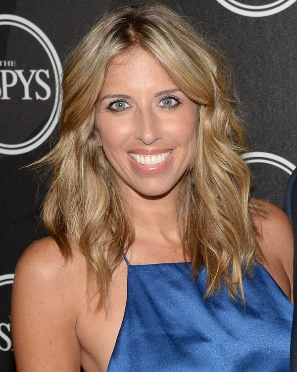 """Former ESPN anchor Sara Walsh wrote candidly in an<a href=""""https://www.huffingtonpost.com/entry/miscarriage-espn-pregna"""